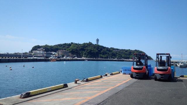 片瀬漁港から見える江ノ島